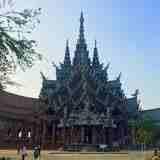 タイのサグラダファミリア「真実の聖域」!
