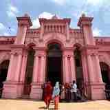 バングラデシュの名観光地「ピンクパレス」